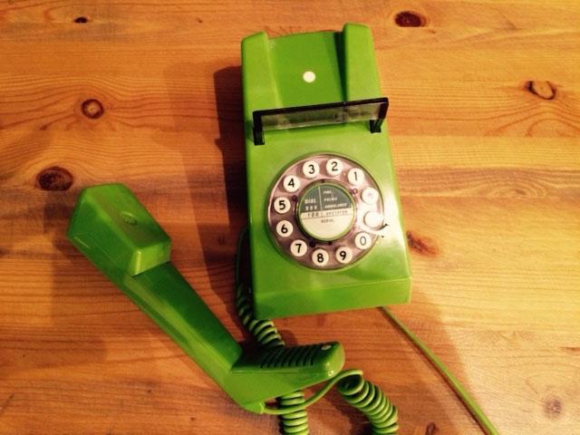 8. Mi teléfono verde